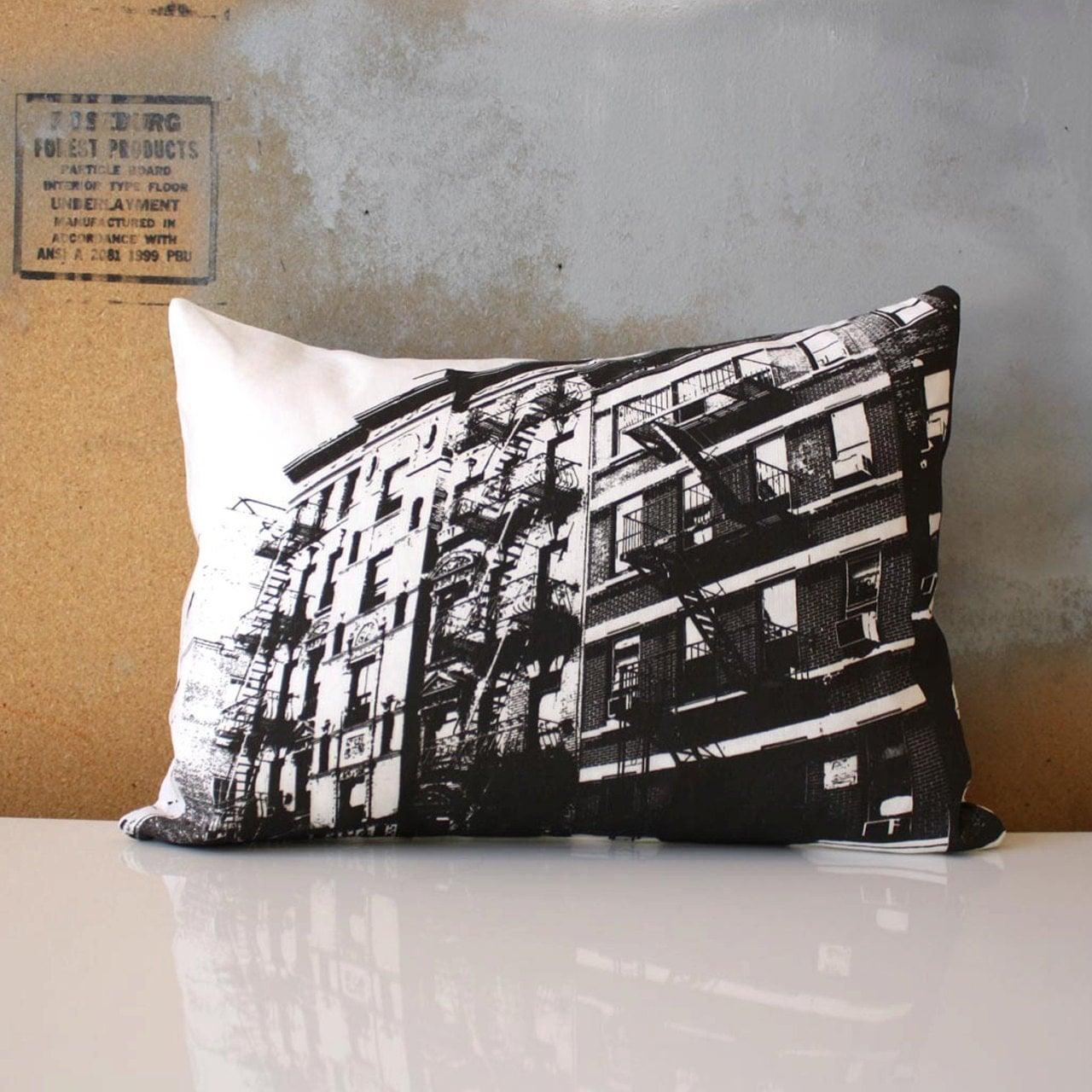 New York City Pillow - Urban Throw Style no1 - Manhattan Architecture - NestaHome