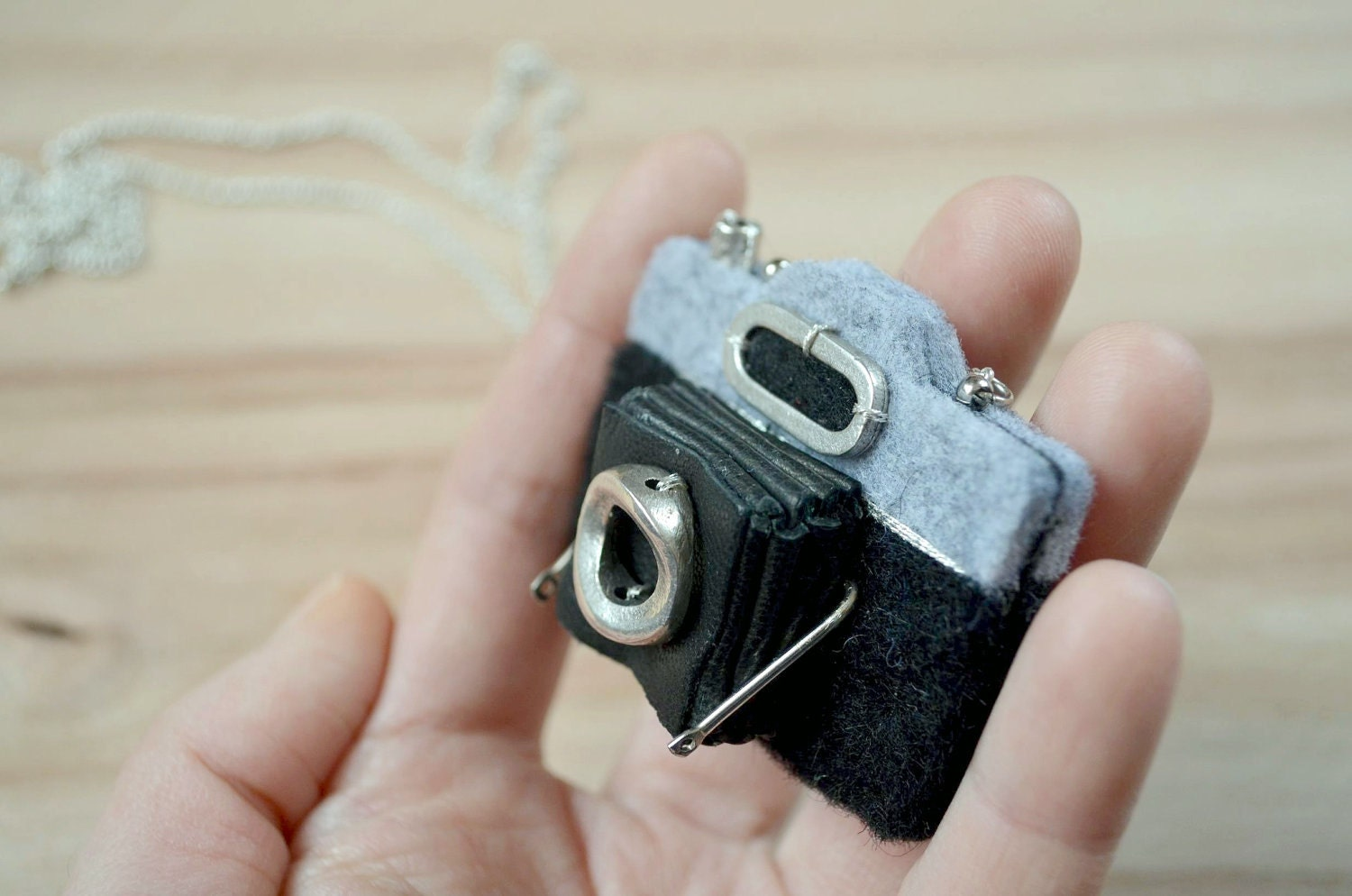 Antique Camera Necklace - Felt Necklace - greenaccordion