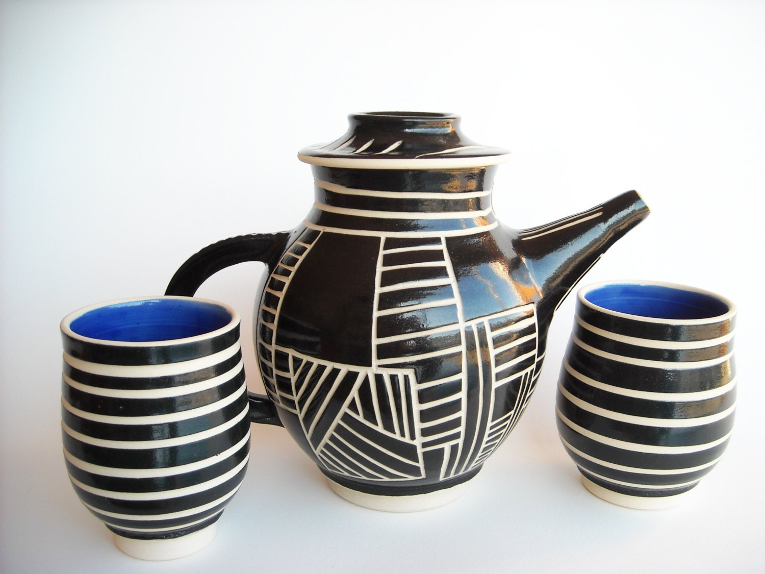 Ceramic Teapot Set with Black and White Ladder design
