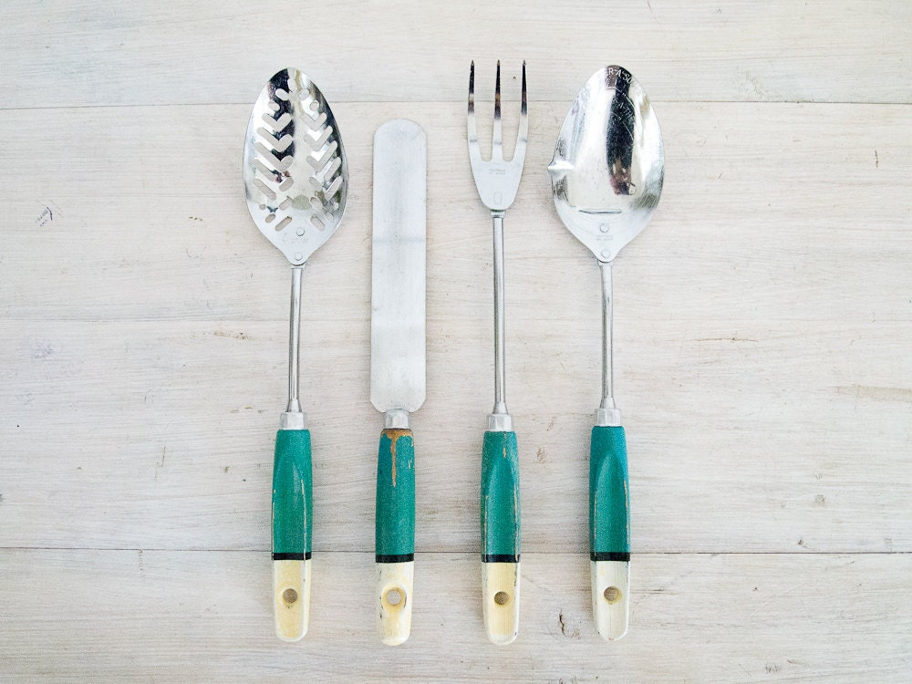 vintage teal and cream kitchen utensil set - epochco