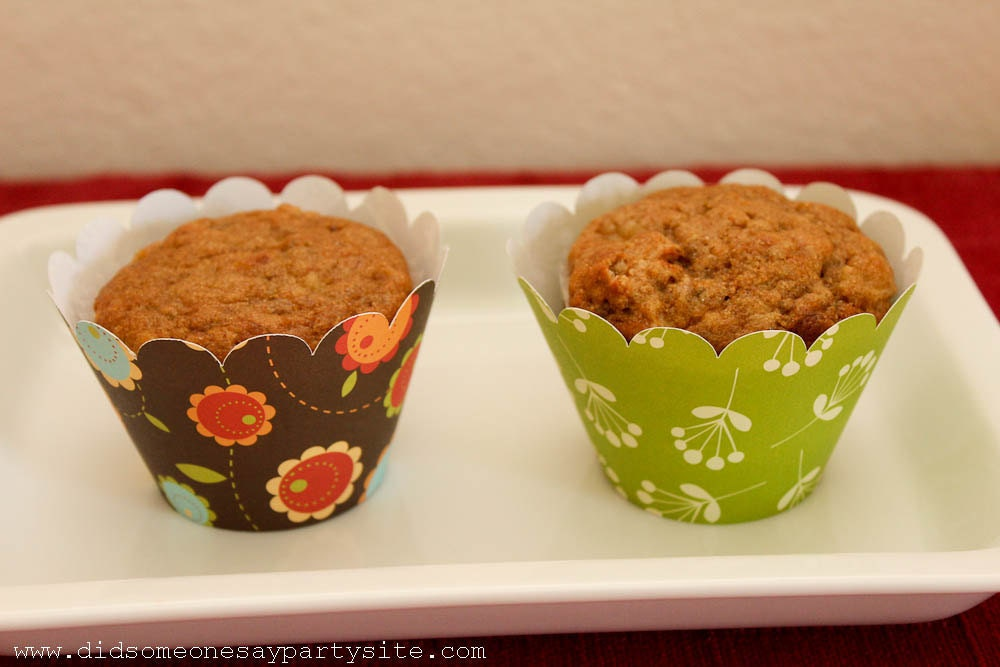Modern Daisy Cupcake Wrappers - FREE SHIPPING