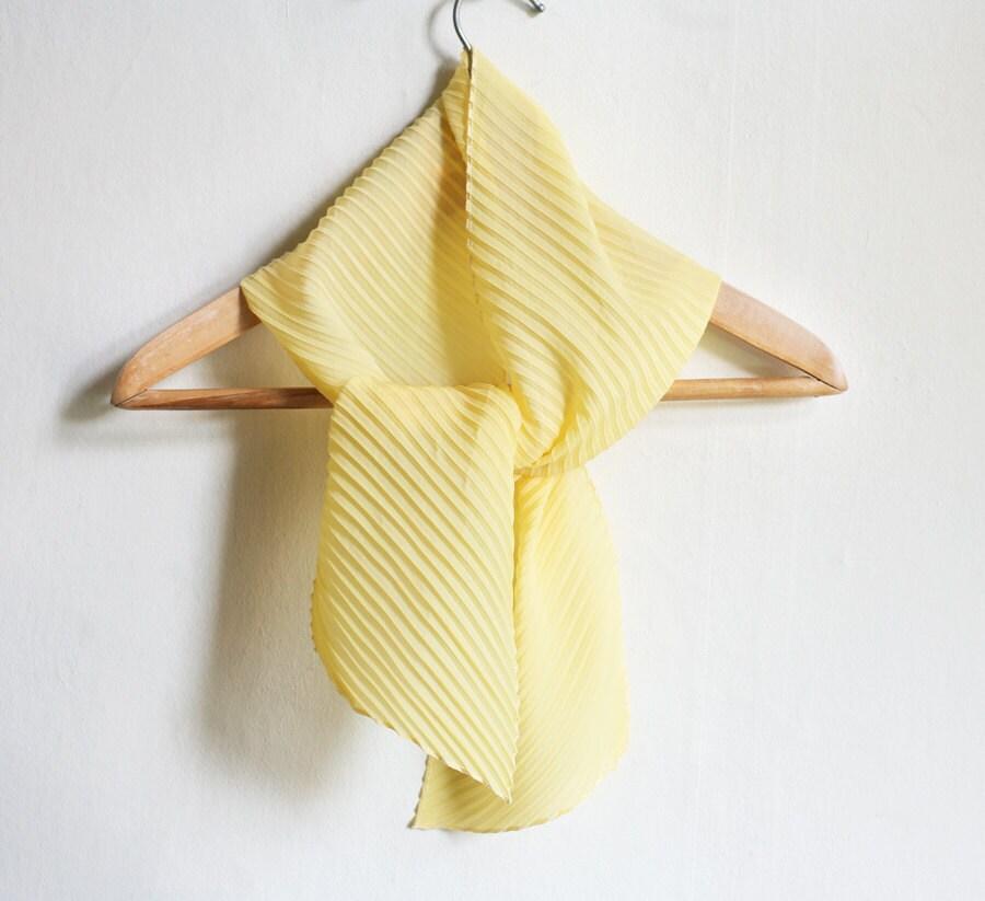 Daffodil Scarf - Light Yellow pleated Shawl - MagpiesShop