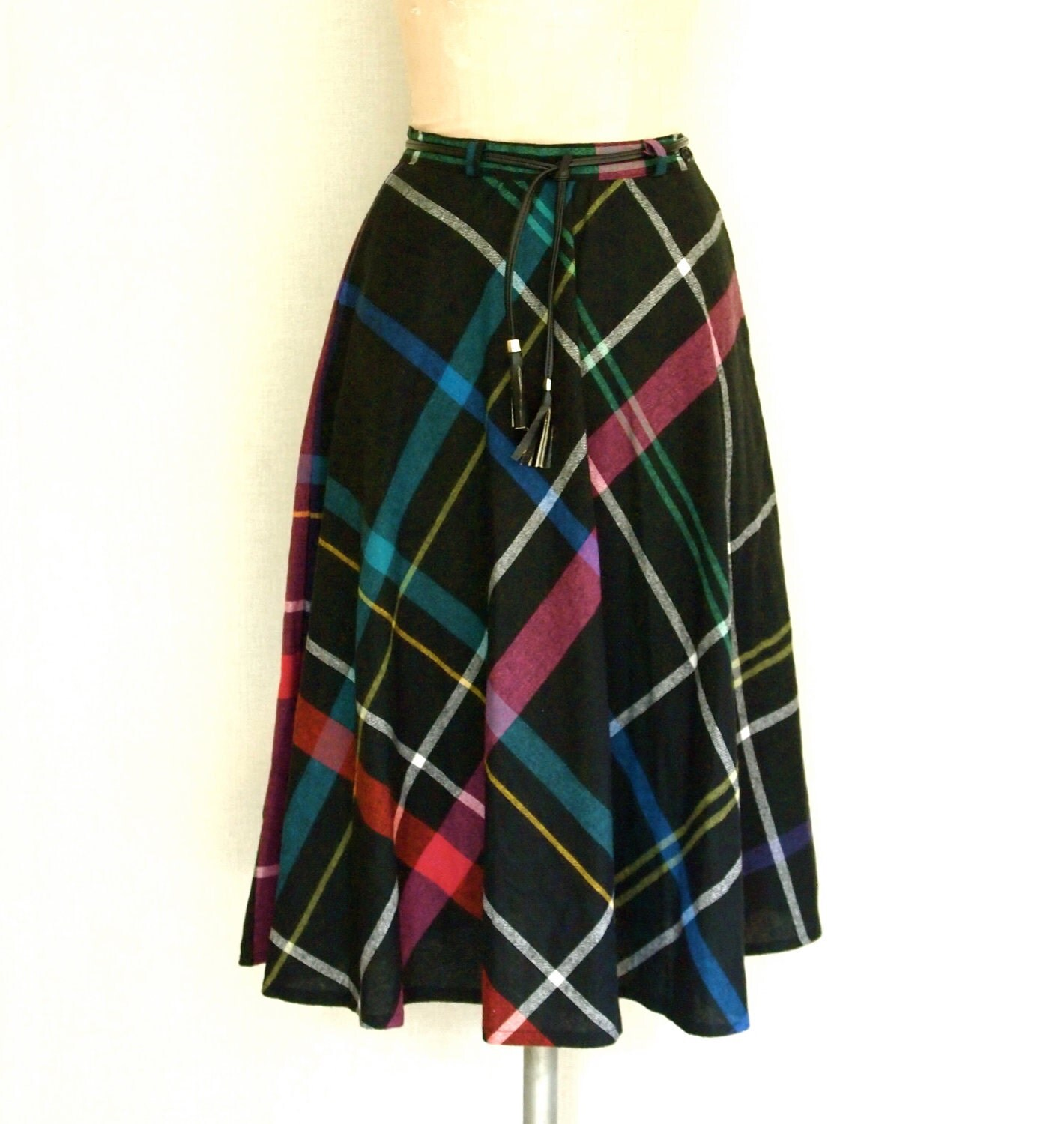Vintage 1970s Plaid Tartan skirt // 70s high waist pocket skirt
