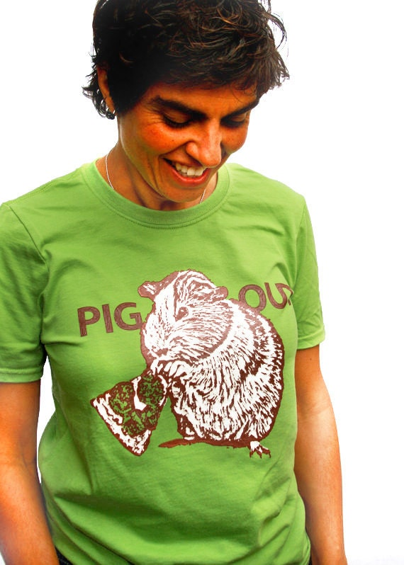 Guinea pig eating pizza Small Tshirt mens/unisex green PIG OUT
