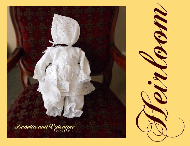 NEWBORN 0 BaBY GiRL WHiTE HEiRLOOM KNiT DReSS Special Occasion Baby Dress Hand Crochet Calado Open Work 3 piece Dress Isabella & Valentino