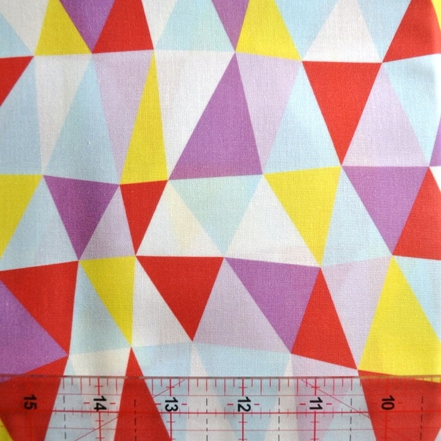 Triangle Twist design quilting cotton - FQ