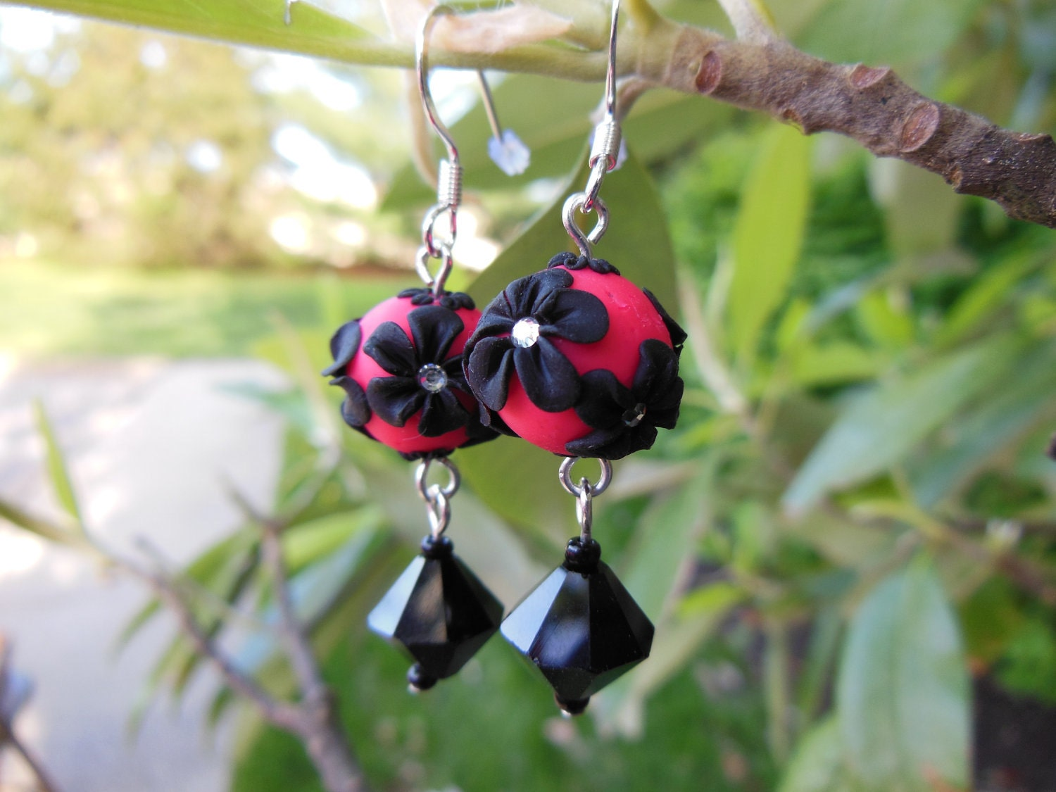 Black and Pink Flower Bead Earrings