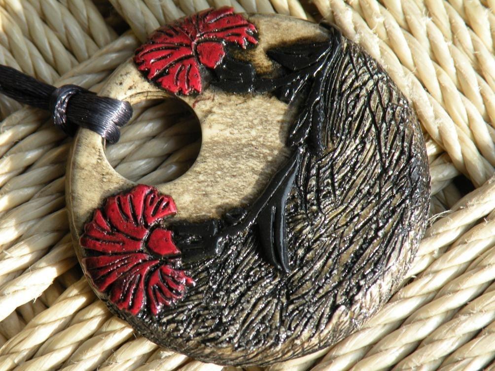 An oriental flair pendant...