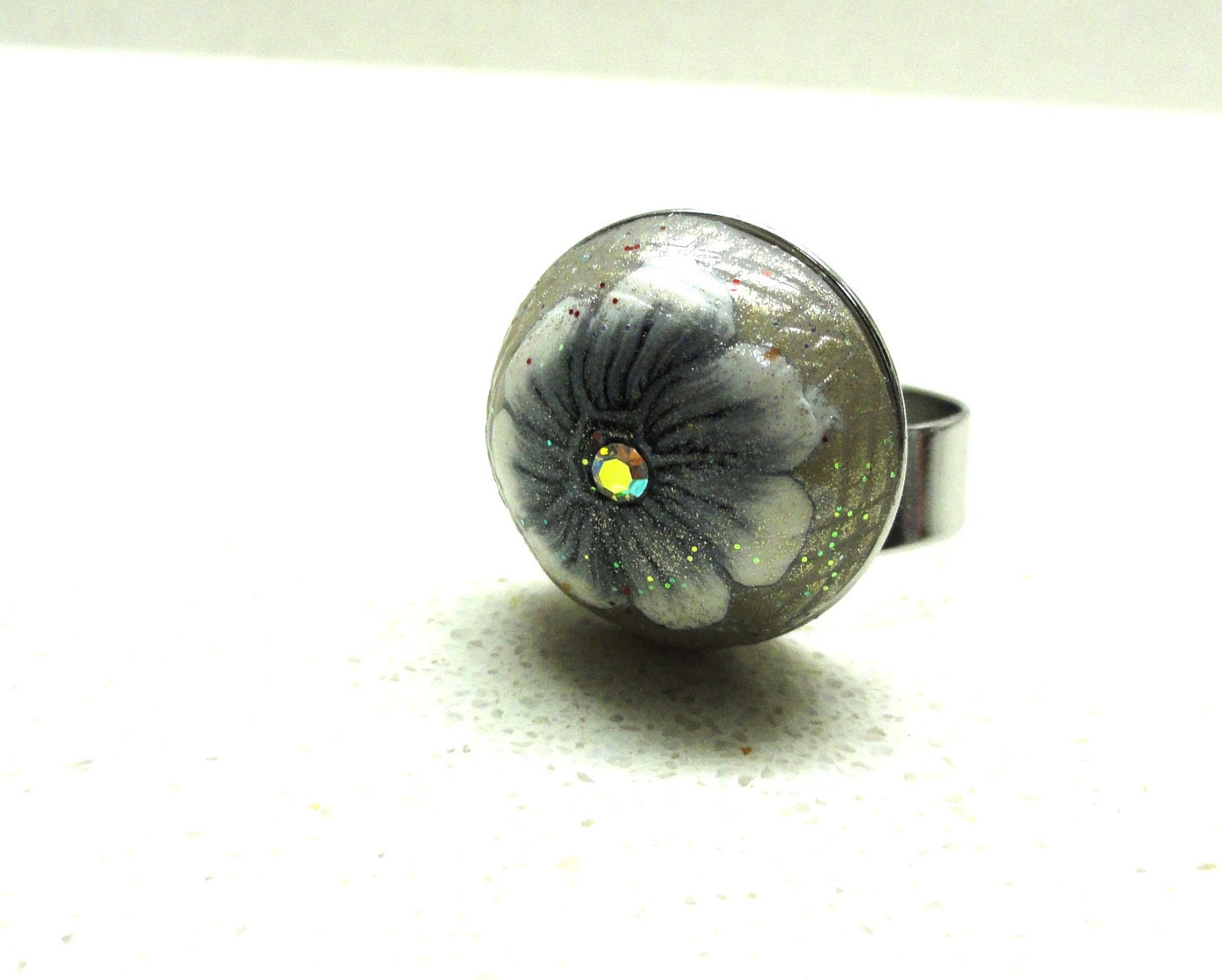 Handmade polymer clay adjustable ring black and white flower by Artefyk