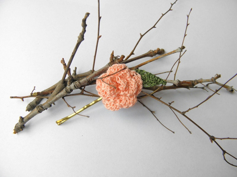 Hair pin spring summer flower and leaf peach pink rose crochet - SunnyGarden