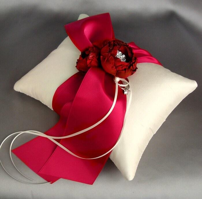 Красный цвет слоновой кости Катала Брошь Шелковые подушки кольцо - образец продажу