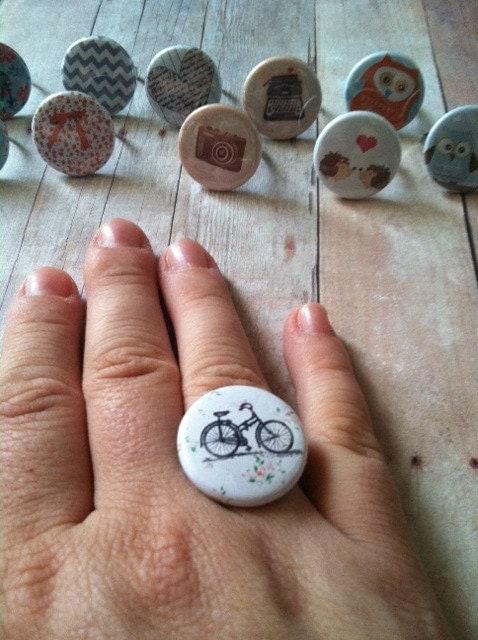 Button Ring (grey chevron)