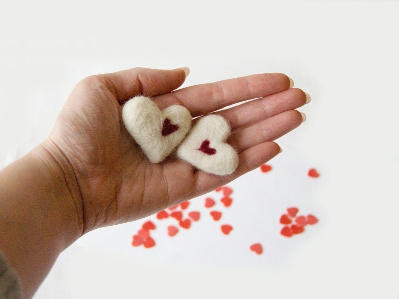 2 white hearts, valentines day decoration, small gift, felted heart, needle felted, valentines day gift, white and red, wedding favours - FeltedRainbow