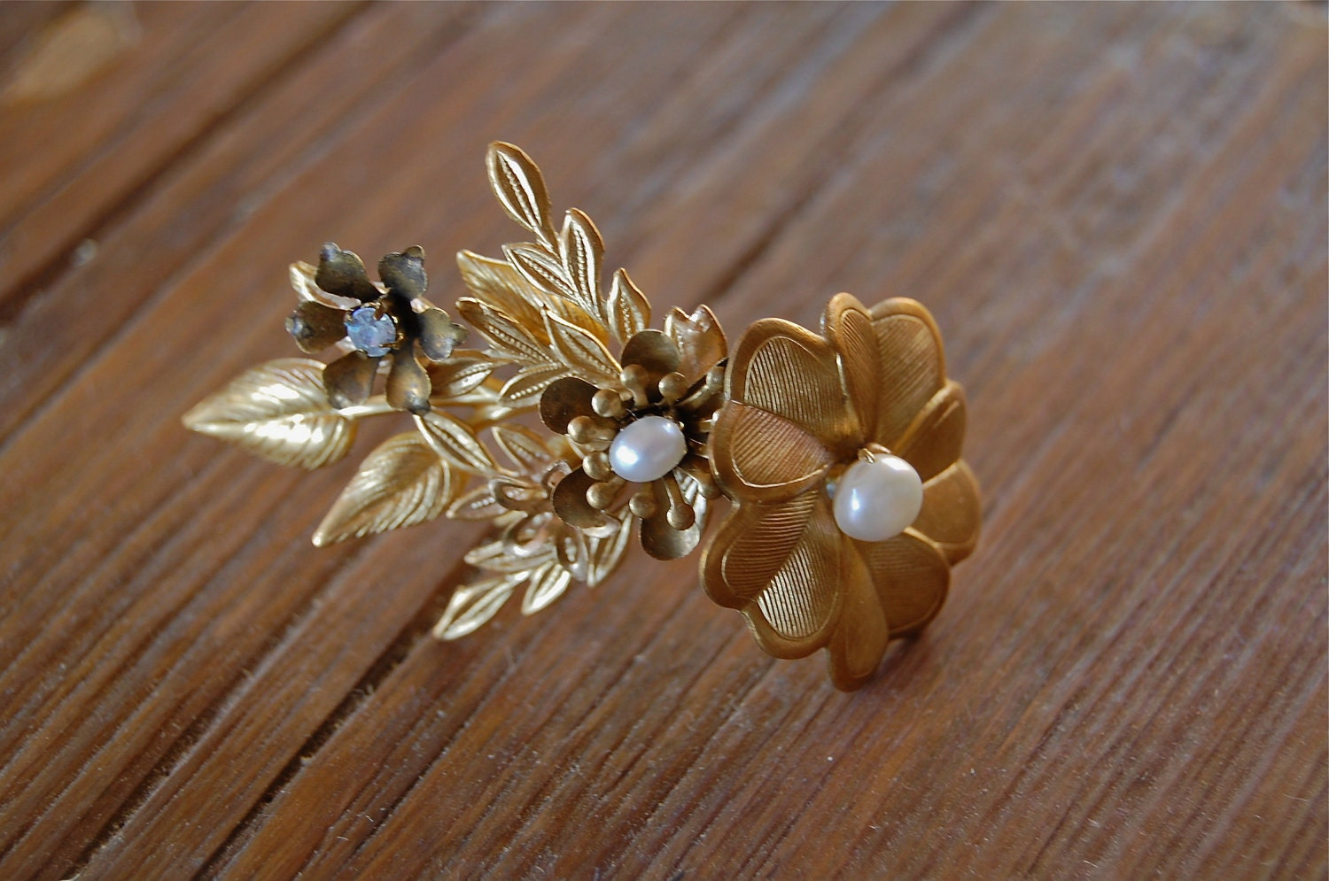 Brass flowers and leaves ring, style 509