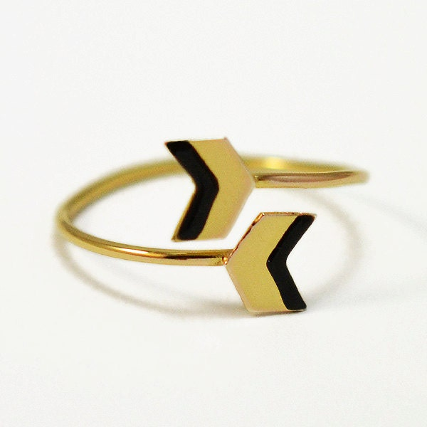 Chevron ring- snake ring- black and gold ring- double arrow - virginiemillefiori