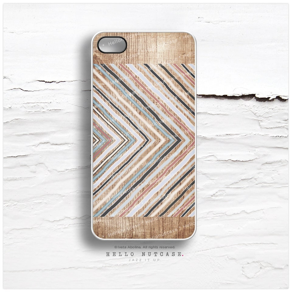 iPhone 4 and iPhone 4S case, Geometric Chevron on Wood iPhone case design, Stripe Pattern on Wood iPhone cover I8 - HelloNutcase