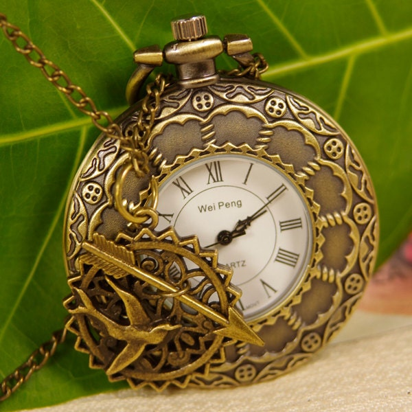 Hunger Games-Roulette Style Roman Numeral Pocket Watch Necklace,with Arrow & Bird Pendant y220bf