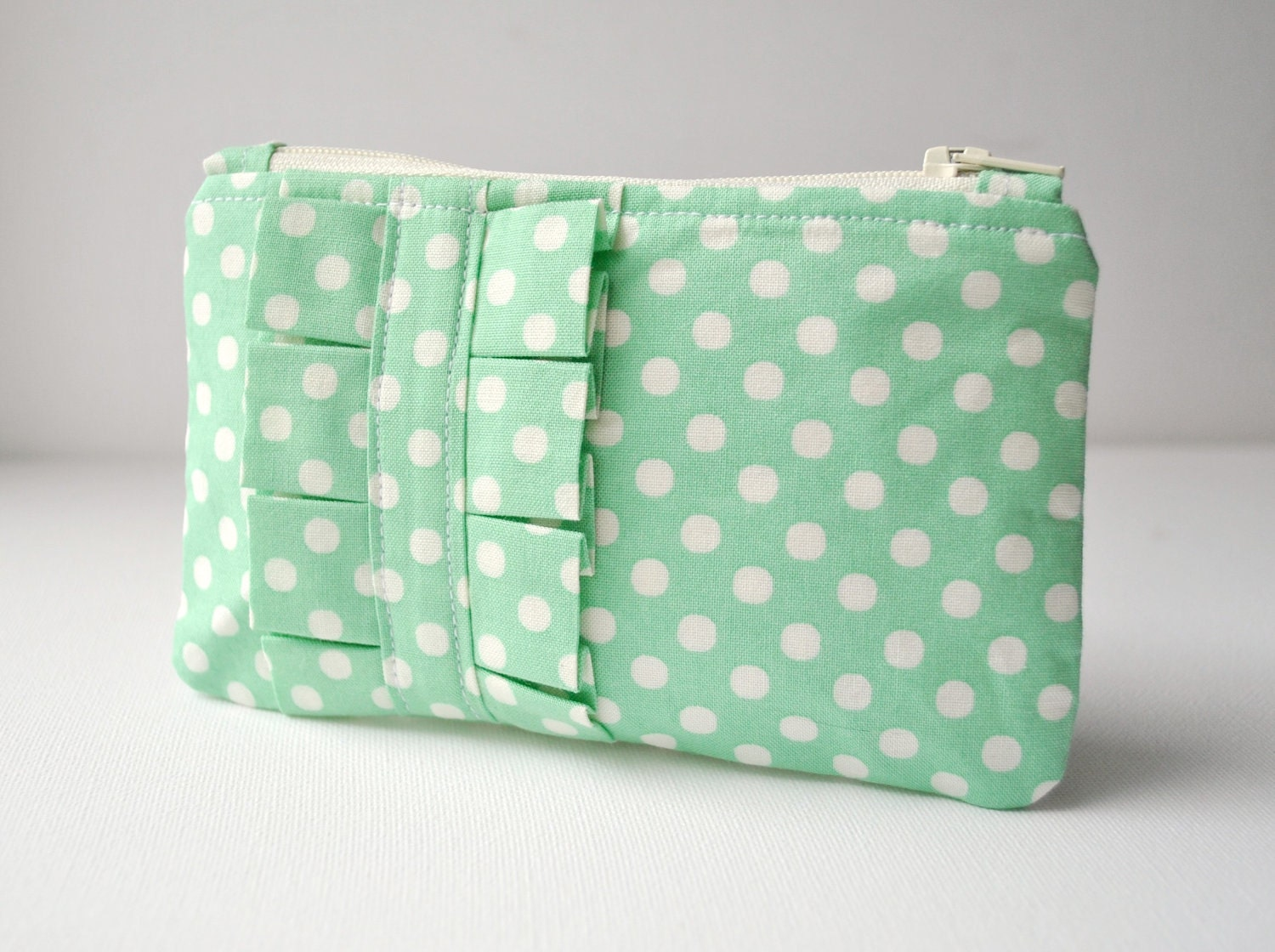 Coin purse wallet: Polka dot spot in mint green and white with ruffle.