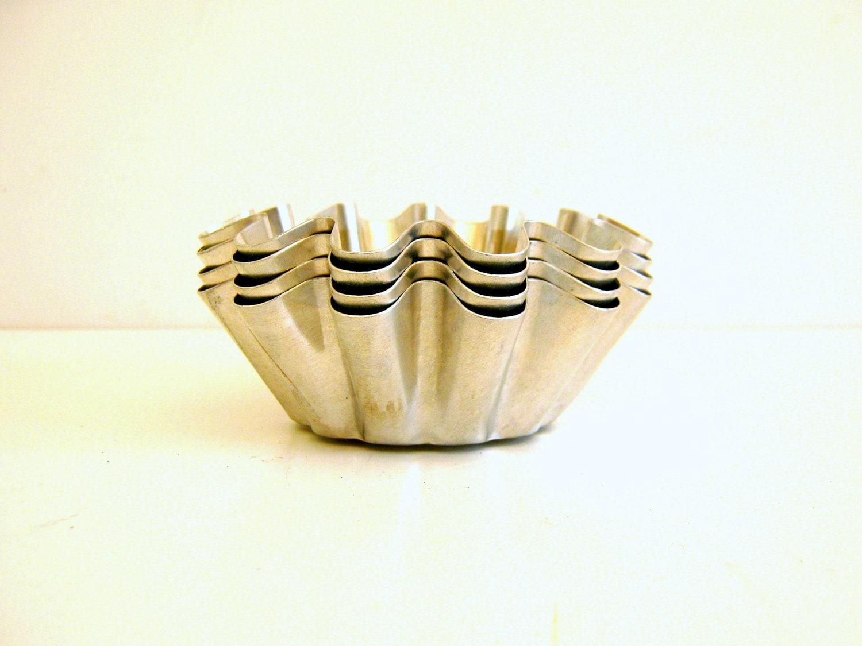 Aluminum Tart Pans /  Soap Molds / Vintage / Silver Metallic / Vestiesteam / TheBestVintage - RollingHillsVintage