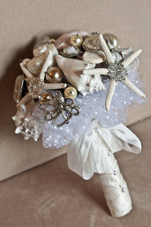 Brosje brudebukett med sjøstjerner