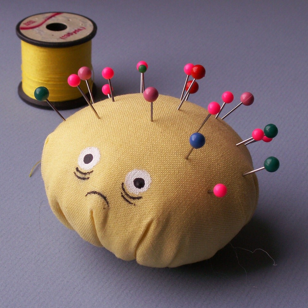 Don't Poke Me Pin Cushion by Gloomstopper
