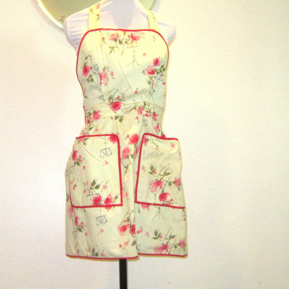 Vintage Full Apron Handmade Yellow Roses Fabric Pockets Gift for Her Entertaining Cooking Baking