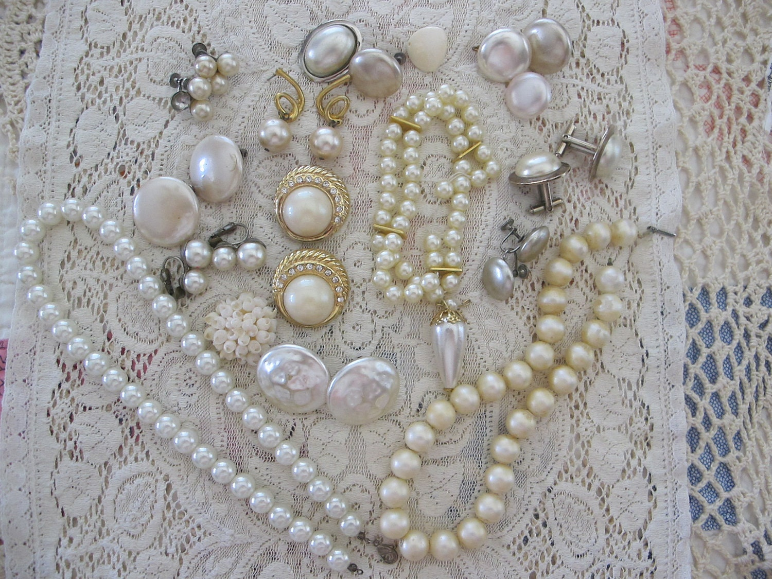 27 Pcs Vintage Jewelry Lot Destash..Creamy Pearly Bits and Pieces for Crafts..Wedding Assemblage..Mixed Media..