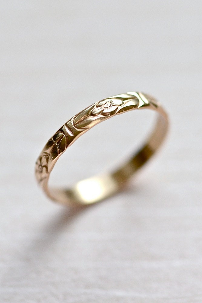 14kt Gold Forget-Me-Not Floral Wedding Stacking Ring, Size 7