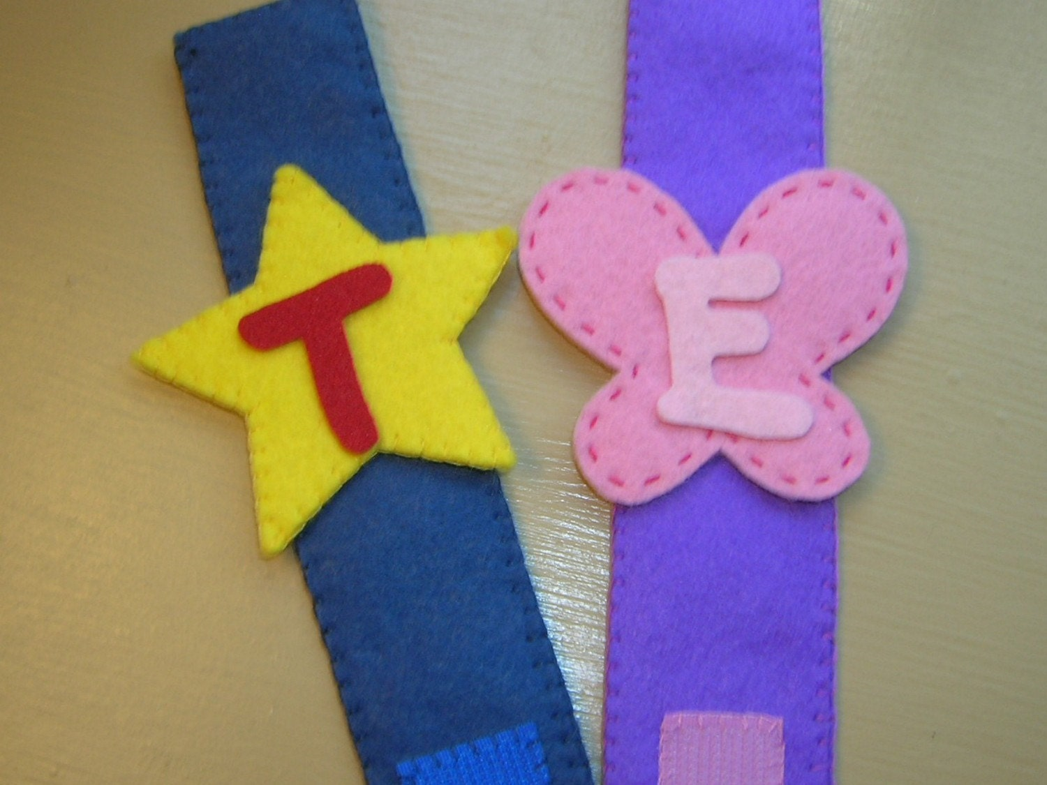 Felt Superhero/Halloween/Character Theme Party Favor Wristbands