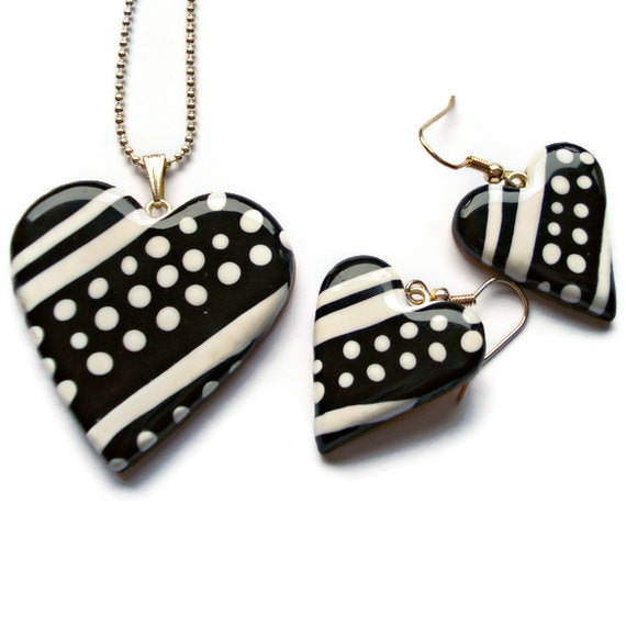 Necklace and Earrings Set  Black and white by KireinaJewellery |  Craft Juice
