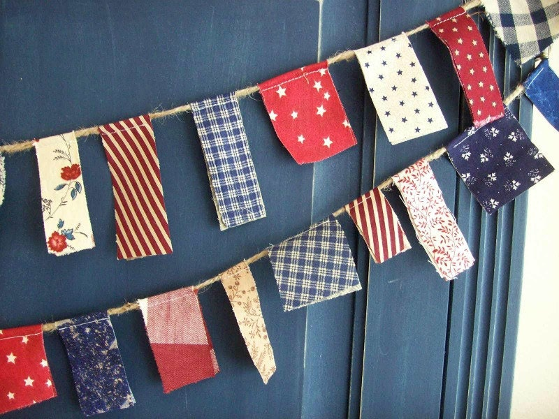 Patriotic Scrappy Banner/ 4th of July  Banner  / Party Garland/ Photo Prop in Vintage Red, White and Blue/  READY TO SHIP