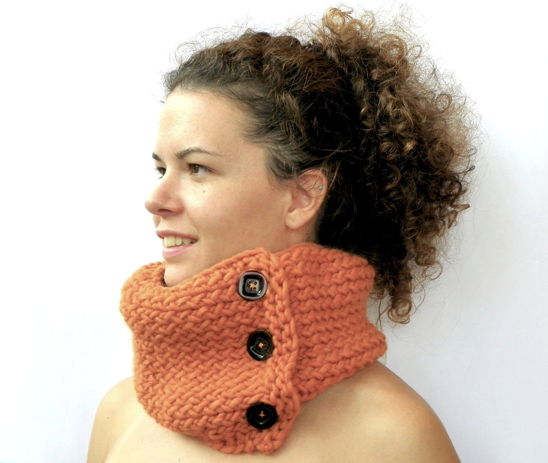 Orange Cowl, Pumpkin Chunky Hand Knit Cowl, Womens Winter Fashion, Burnt Orange Neck Warmer, Neck Wrap - Magiedimemi