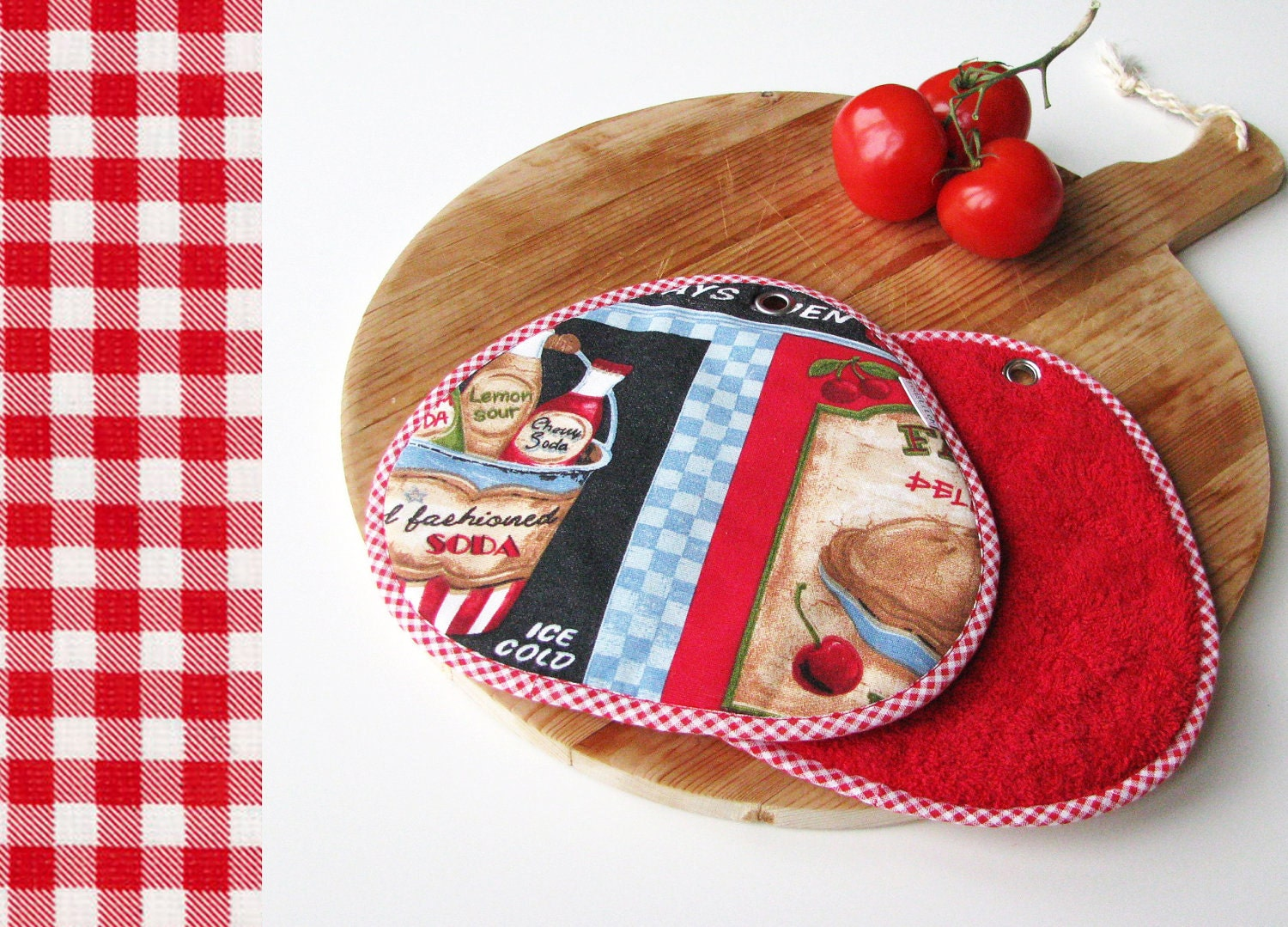 pair of potholders in american diner style