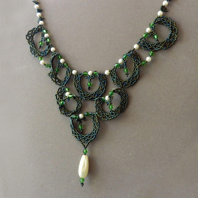 Beadweaving Green Renaissance Style Necklace - AlbinaRose