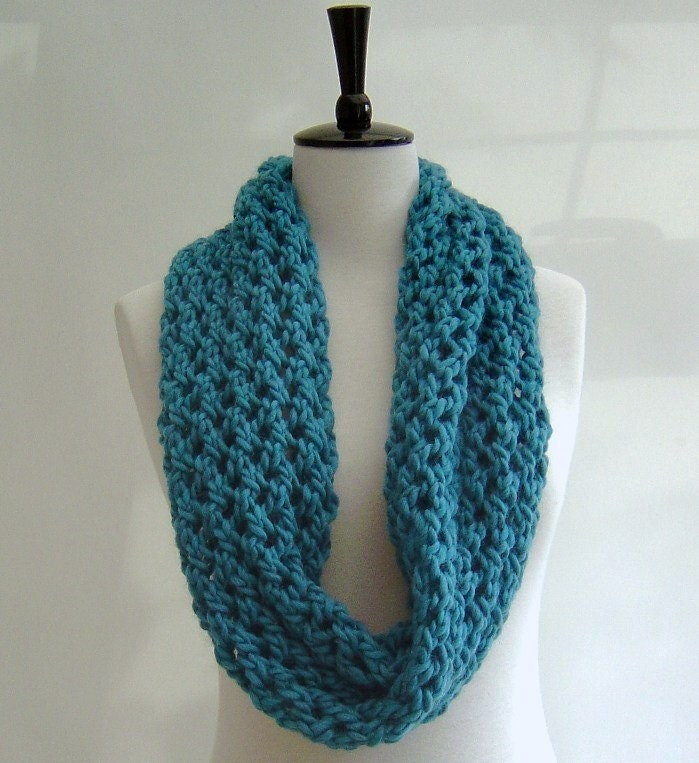 Snood Pattern Knit : free knitting pattern snood scarf
