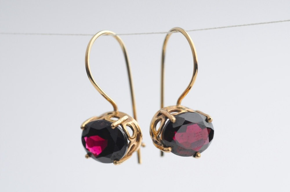"Solid Gold and Wine Red Faceted Garnet Earrings  - ""Sparkling Wine"""