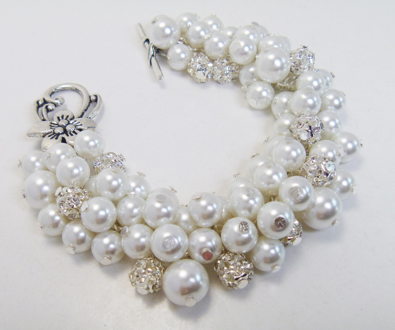 White Pearls and rhinestones bracelet, wedding, bridal jewelry, bridesmaids gift, chunky bracelet. Custom colors welcome