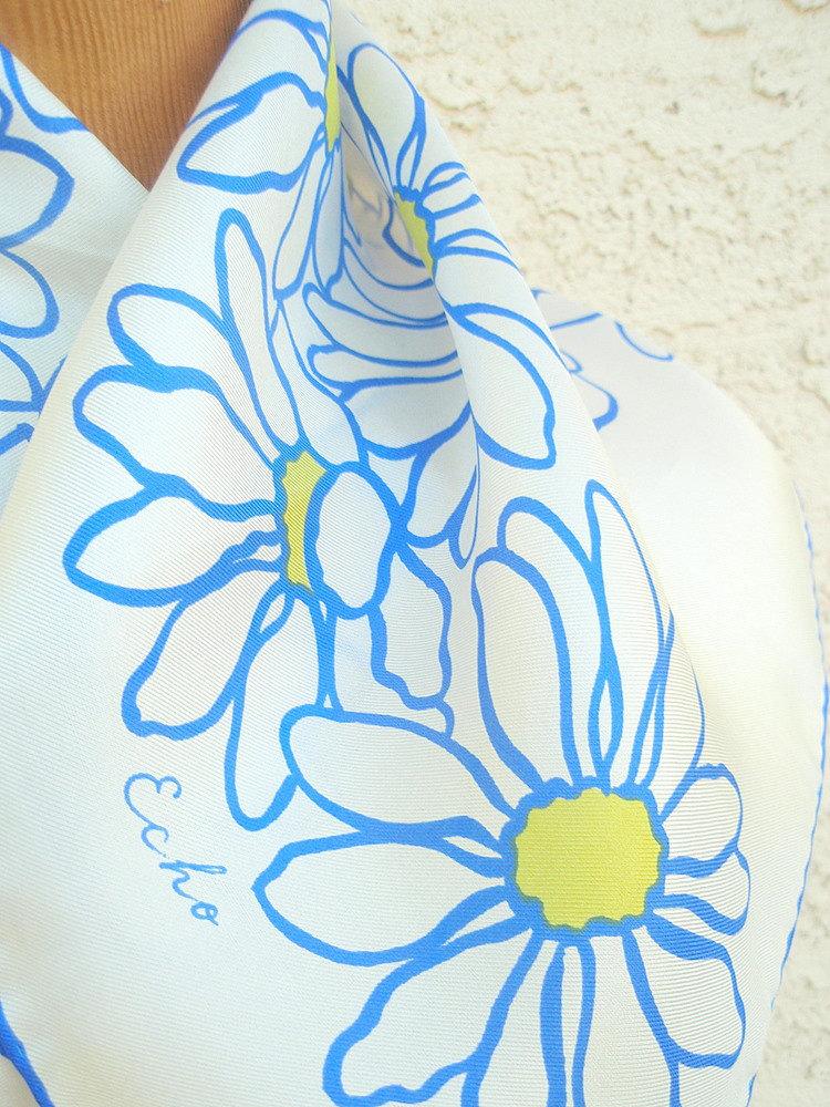 Mod Blue Daisy - a vintage 1960's Echo pure silk scarf