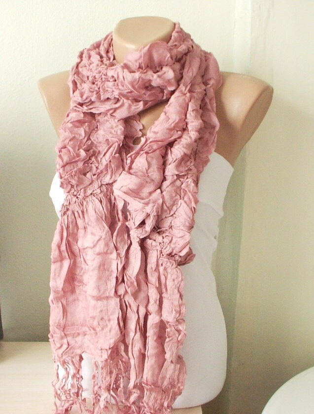 Pink scarf with crinkling