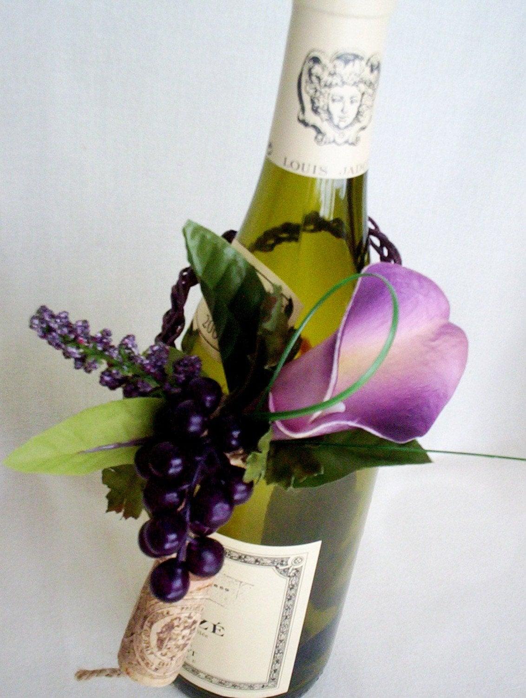 vineyard wedding black and white centerpieces