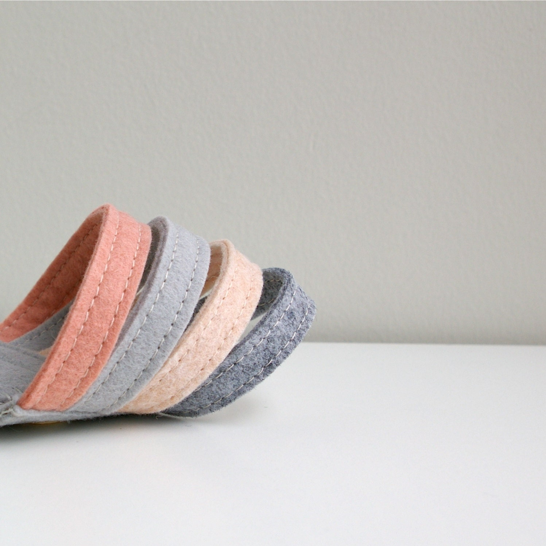 Wool Felt Bracelet Wristband Cuff // Pink & Grey // LoftFullOfGoodies