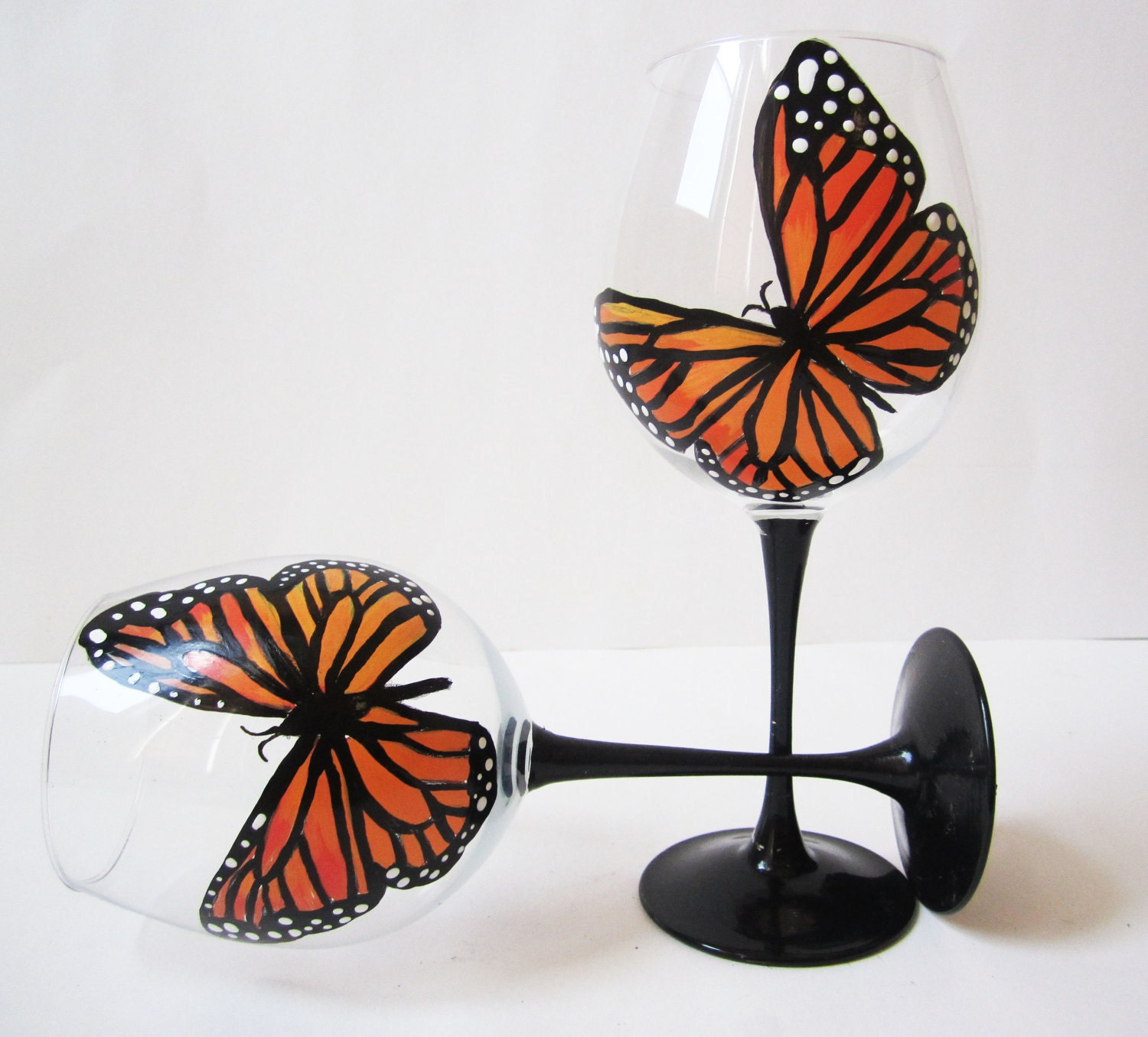 Monarch Butterfly - hand painted wine glasses - orange - fall weddings - fall colors  - set of 2 - 20 oz - Jdboutique