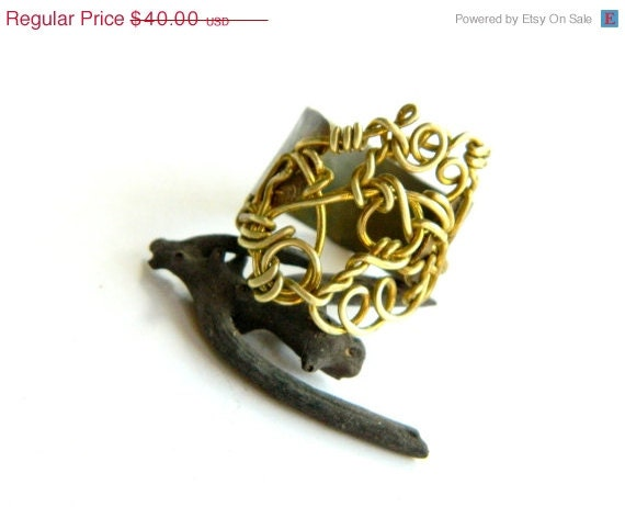 SALE Two Tone Oxidized Brass Wire And Sheet Metal Ring (R339)