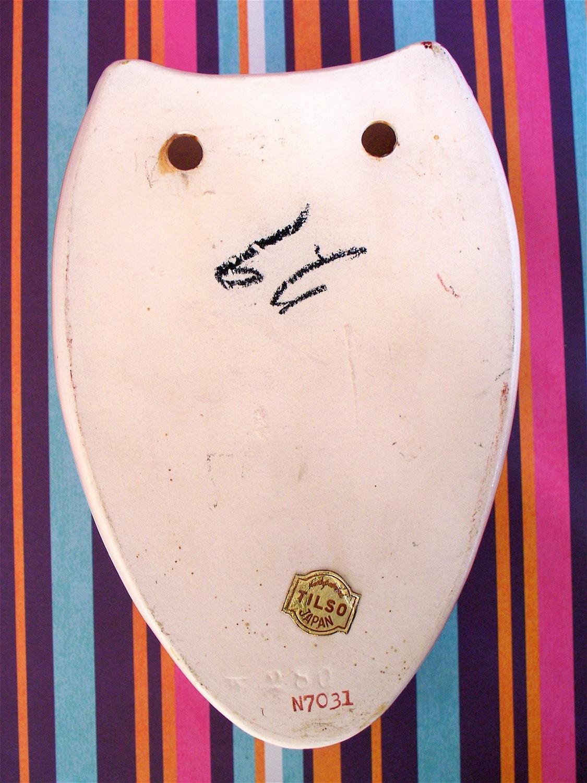 Vintage  Kitsch 1950s Tilso Hand Painted Japan Pink Egg Wall Pocket