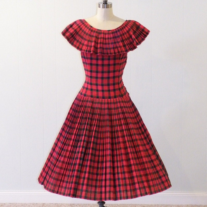 1950s Tartan Plaid Dress / Vintage 50s Red Green Tartan Plaid Accordion Pleated Full Skirted Dress, Drop Waist