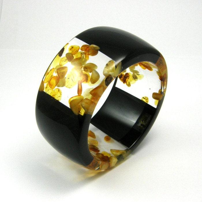 Black Resin and Amber Bangle model 3/3 /S, Resin Bracelet - sisicata
