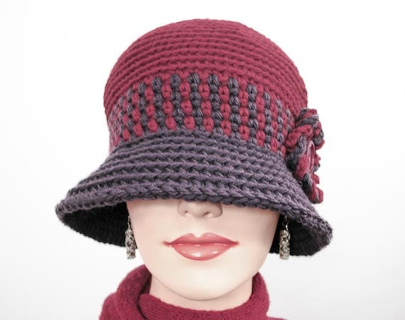 Mrs. Chaplin's Hat: Large Size Winter Cloche - Crochet in Chianti and Eggplant Wool - Item 1154