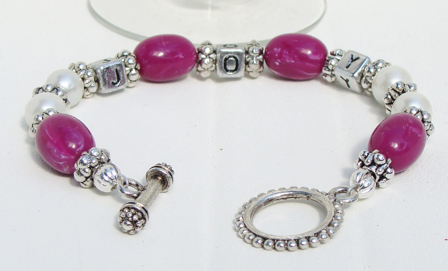 Joyous Christmas Fushia and Pearl Bracelet