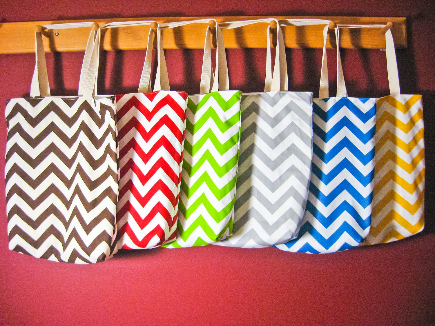 Bridesmaid gifts -  6 Small Chevron Beach Totes, welcome bags, wedding favors, MAID of HONOR