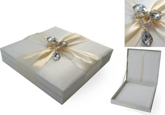 These luxurious Silk Wedding Invitation Boxes can be added to any of our